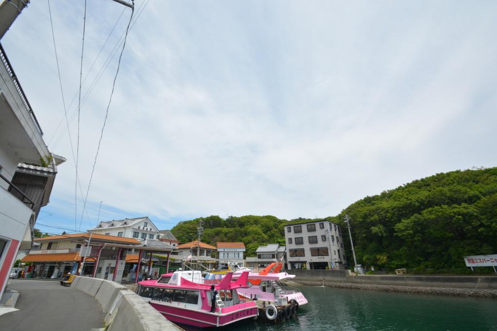 賢島の船乗り場。ここから間崎島や、御座のほうにいく船が出ている