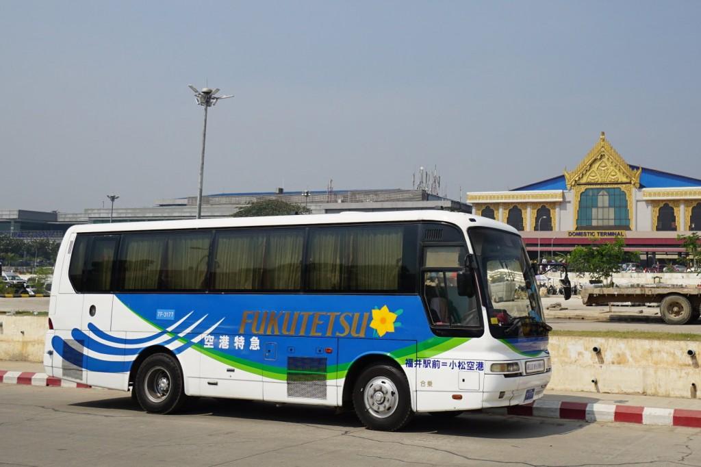 小松空港の空港特急バス